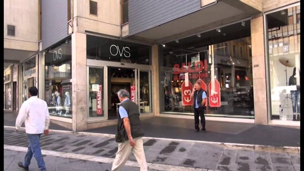 immagine negozio Oviesse di Arezzo, ladro beccato a rubare