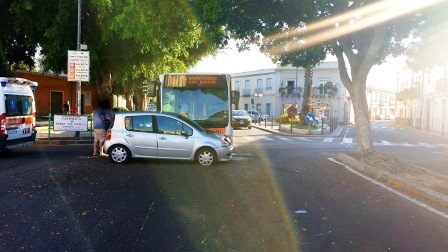incidente pirri auto contro bus ctm