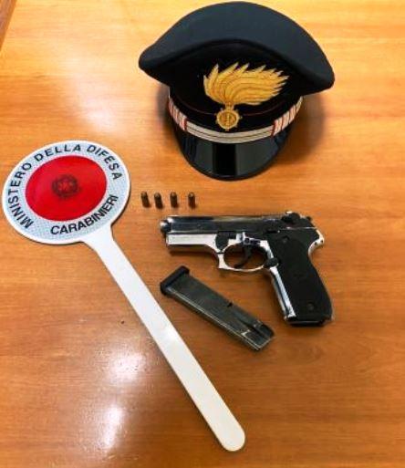 pistola a salve modificata sequestrata ad elmas