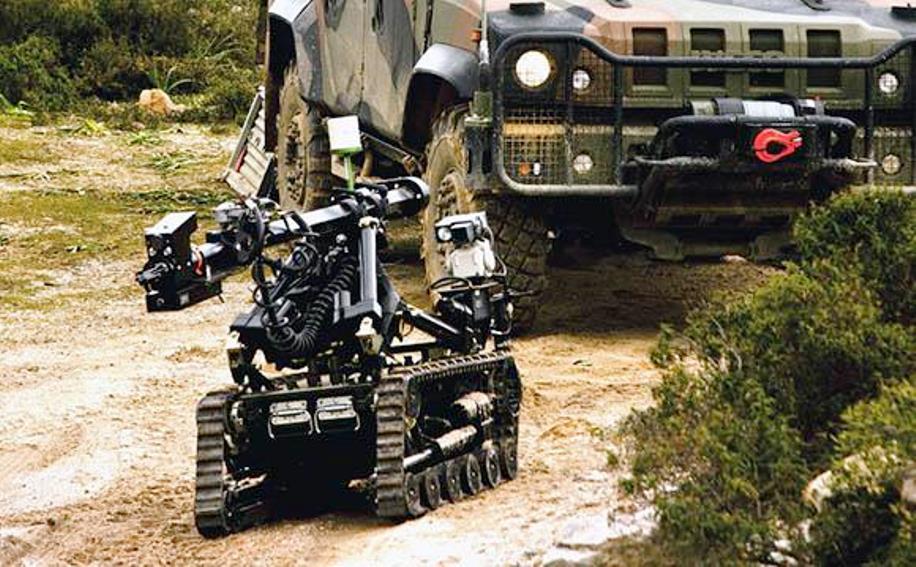 immagine mezzi militari poligono di quirra