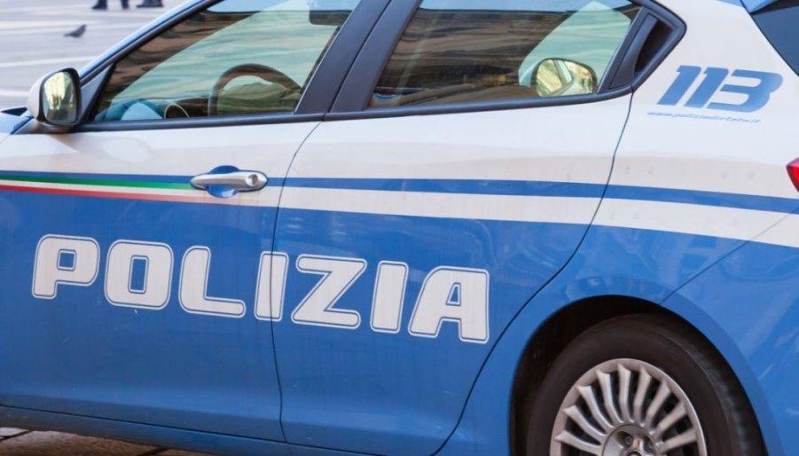 volante polizia di stato a cagliari