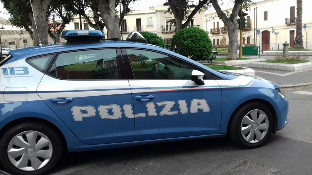 immagine polizia arrestato ladro di assemini distributore ip quadrifoglio cagliari