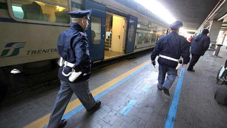 immagine polizia ferroviaria cagliari rail safe day