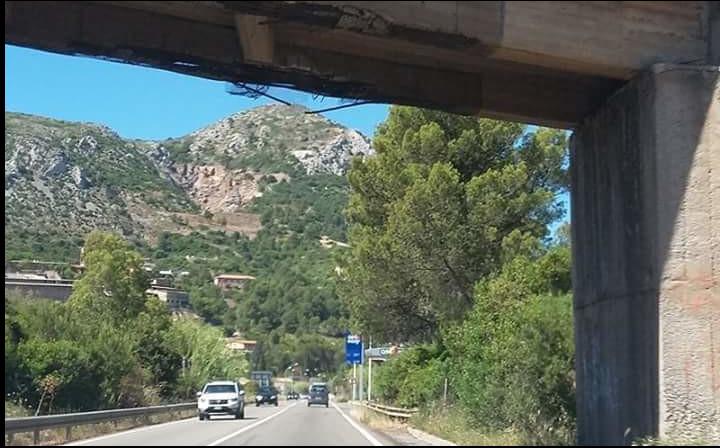 ponte pericolante iglesias strada statale 126