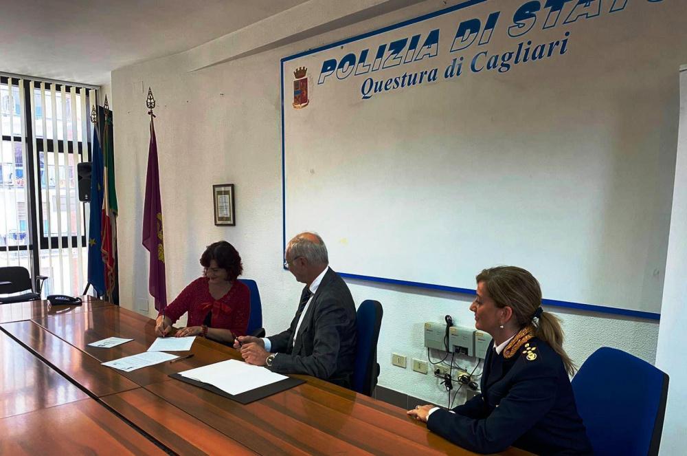 la firma del protocollo Zeus, immagine della Polizia di stato