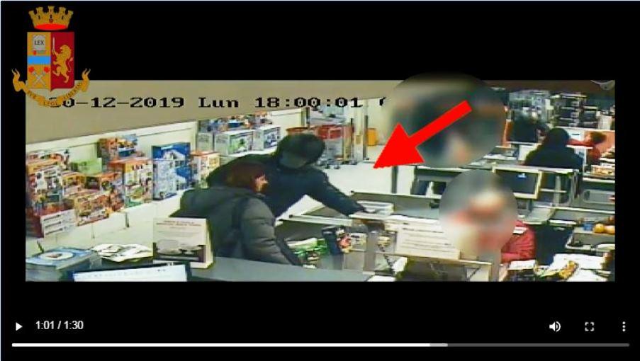 immagine rapina in un negozio