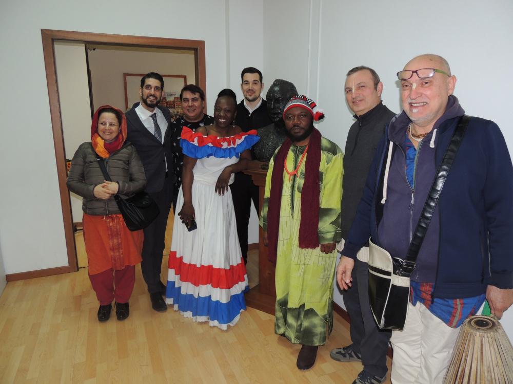 immagine di Alcuni rappresentanti delle varie Religioni nella Chiesa di Scientology a Cagliari