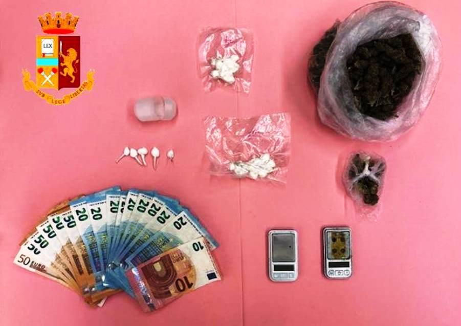 immagine droga e denaro sequestrato a monserrato