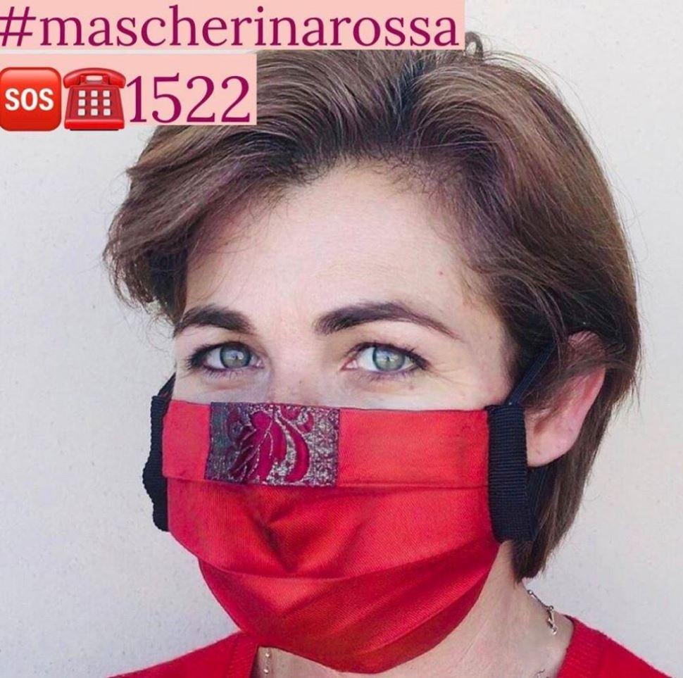 stefania loi mascherine rosse contro la violenza