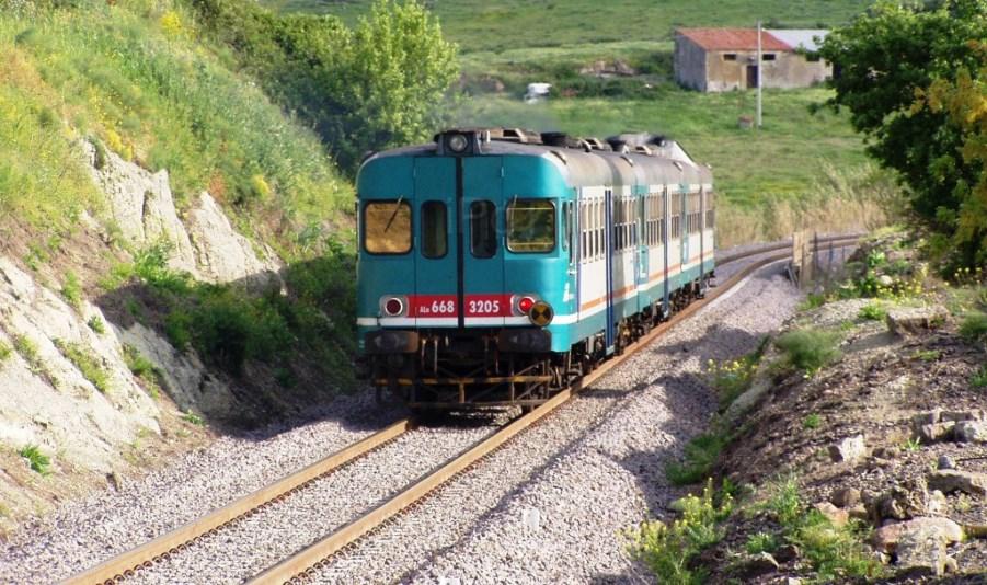 immagine treni in sardegna