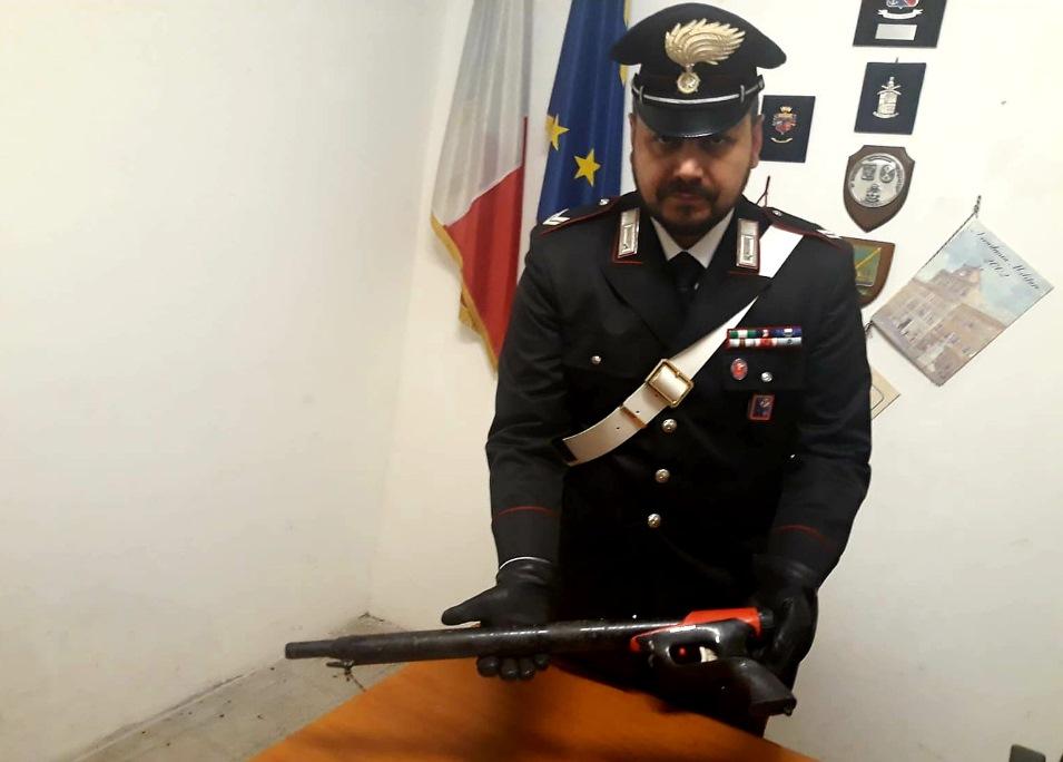 cittadino rom trovato nel parco con fucile da sub