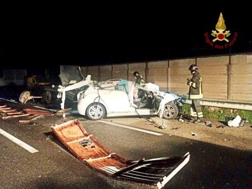 incidente a villasor auto contro trattore