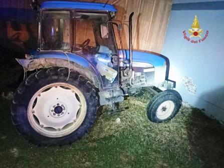 villasor incidente stradale auto contro trattore