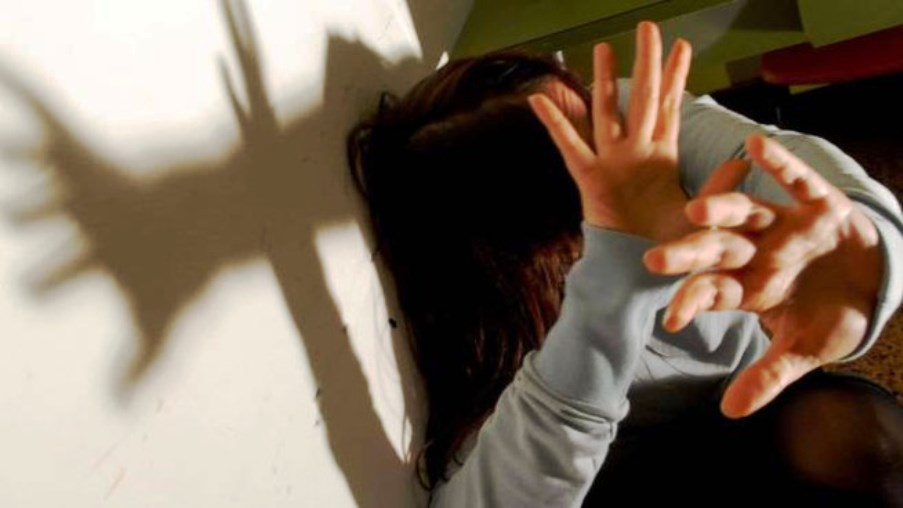 immagine donne vittime di violenza domestica